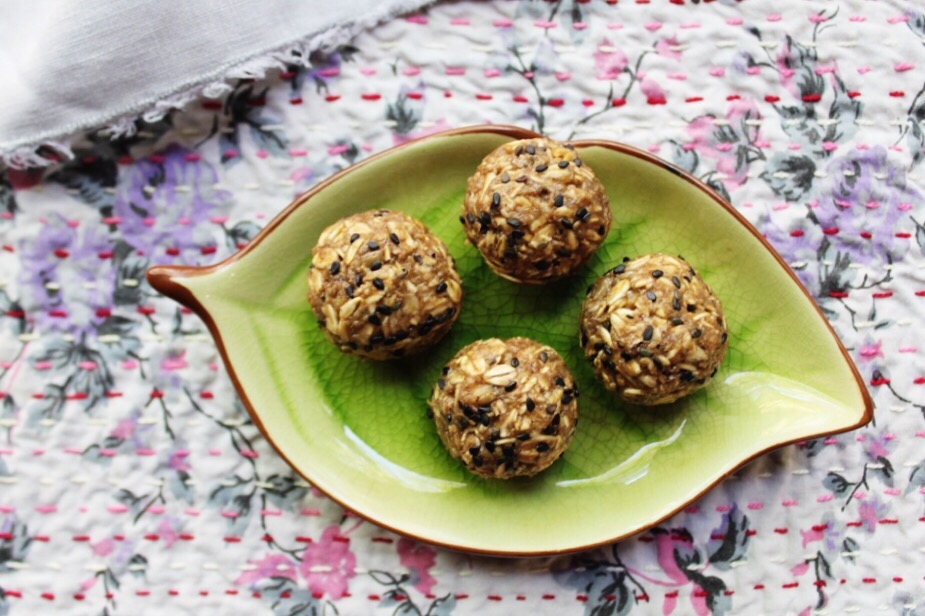 Nut free tahini banana power balls the naturalista the costa rican forest approach we are very much enjoying making the most of local ingredients and concocting new recipes from the random army of foods forumfinder Image collections